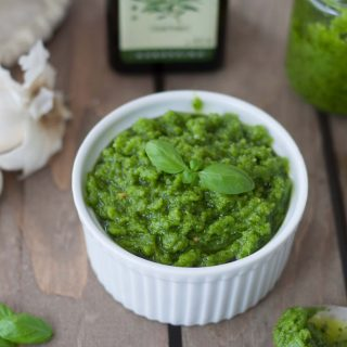 Basil Pesto with Cashew Nuts
