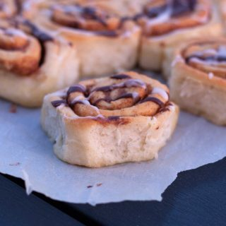 Cinnamon Buns – with no dry edges