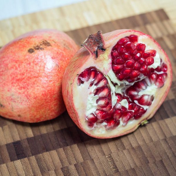 How To: Seed a Pomegranate the Easy Way