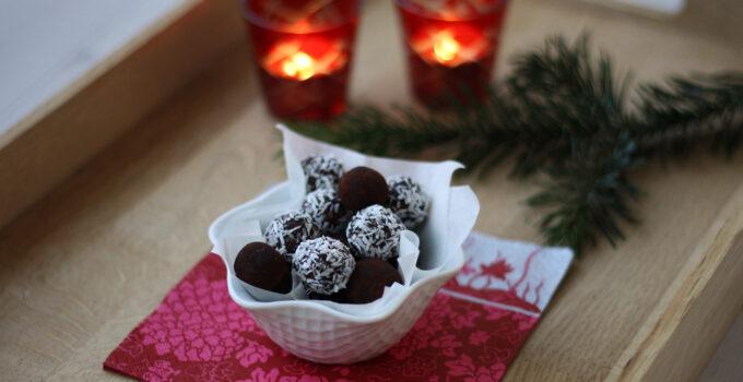 Cocoa Oat Balls (Havregrynskugler)