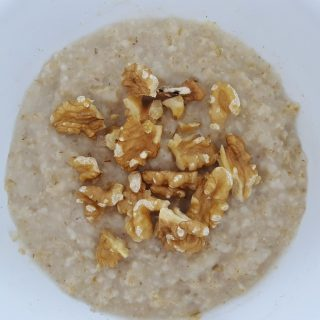 Microwave Oatmeal – The Super Easy Way