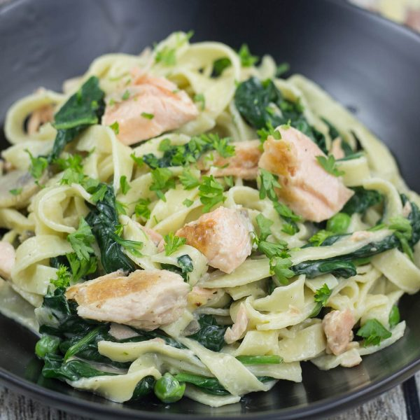Fresh Pasta with Salmon And Spinach