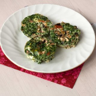 Muffins with Spinach and Tomatoes