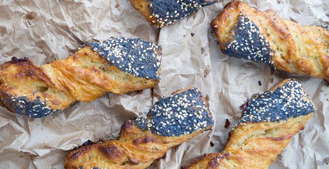 Danish Poppy and Sesame Seed Twists (Frøsnapper)