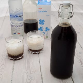Homemade Coffee Liqueur (Kahlúa)
