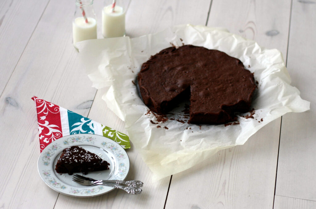 homemade Nordic chocolate cake Very Moist and Easy to Bake, recipe