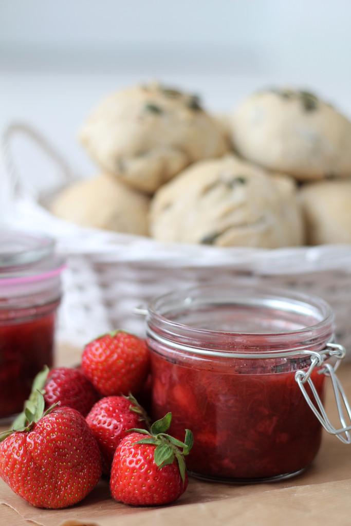 Recipe for Homemade Strawberry and Rhubarb Jam