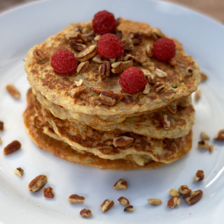 Recipe for Nordic Healthy Pancakes with Oats and Apples