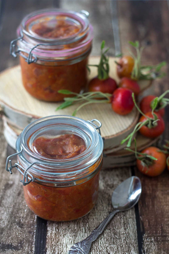 Recipe for Nordic Rose Hip Jam with Apples
