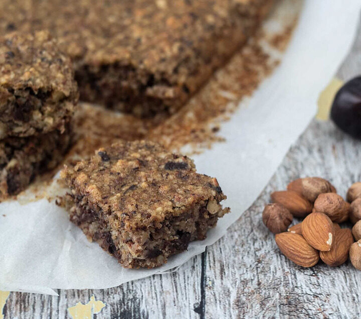 Recipe for Healthy Banana Cake with Chocolate and Dates