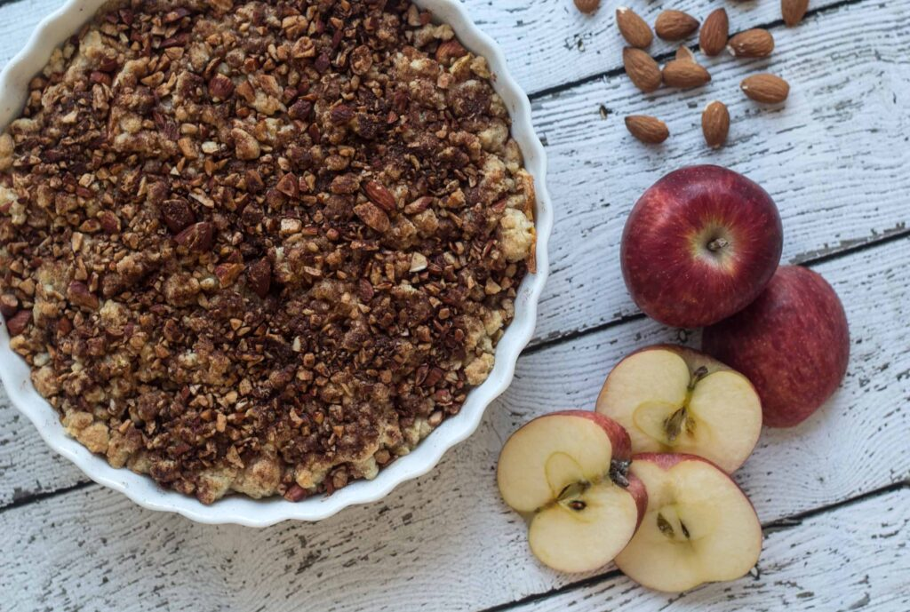 Recipe for super easy Cinnamon Crumble Apple Pie