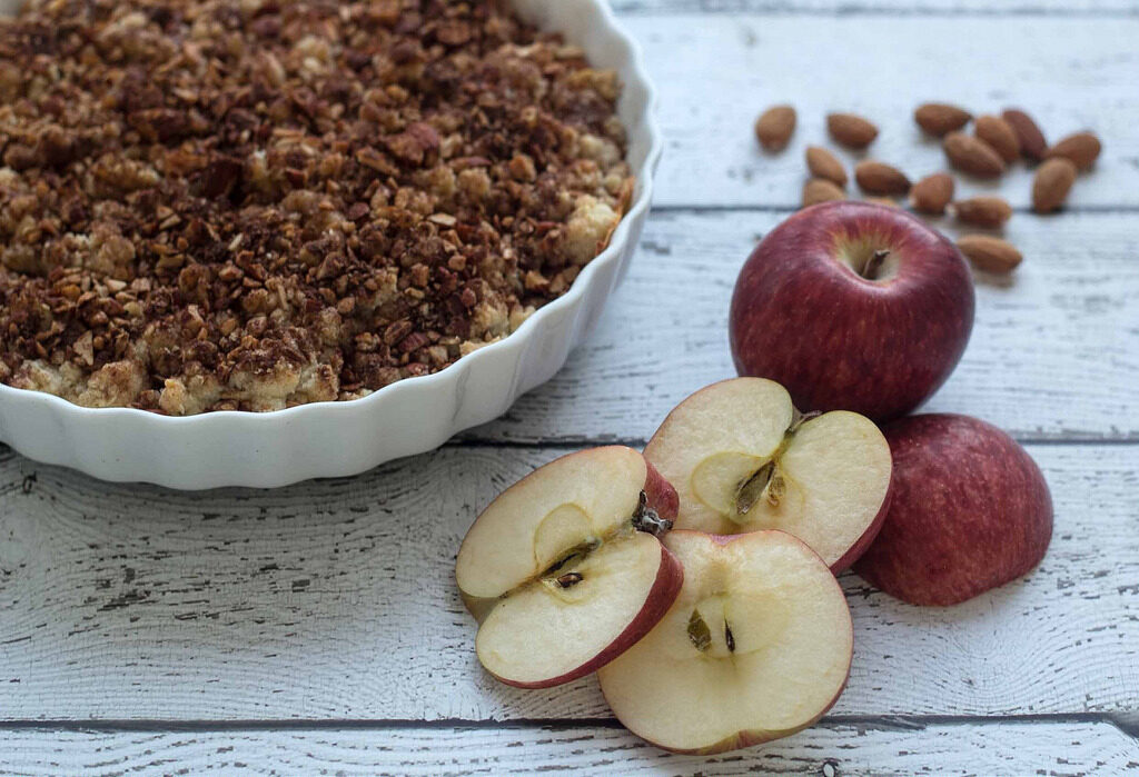 Recipe for super easy Cinnamon Crumble Apple Pie (3)