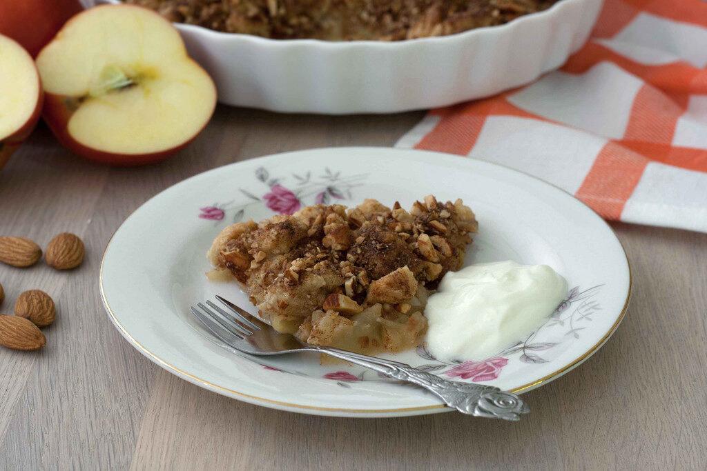Recipe for super easy Cinnamon Crumble Apple Pie (6)