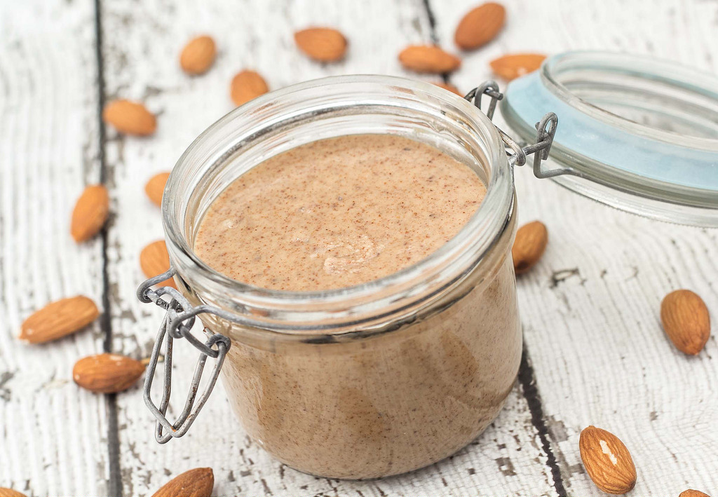 Recipe for almond butter