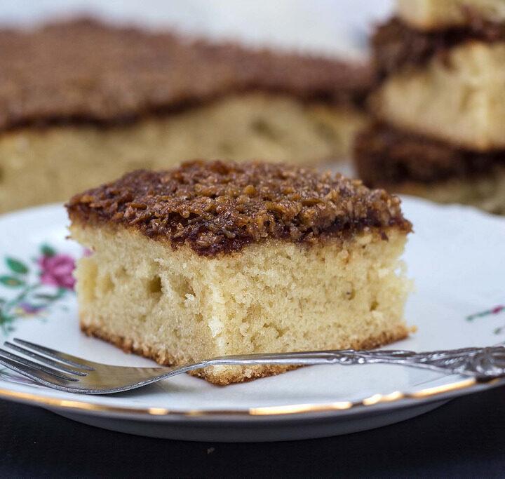 Traditional recipe for Danish Dream Cake (Droemmekage)