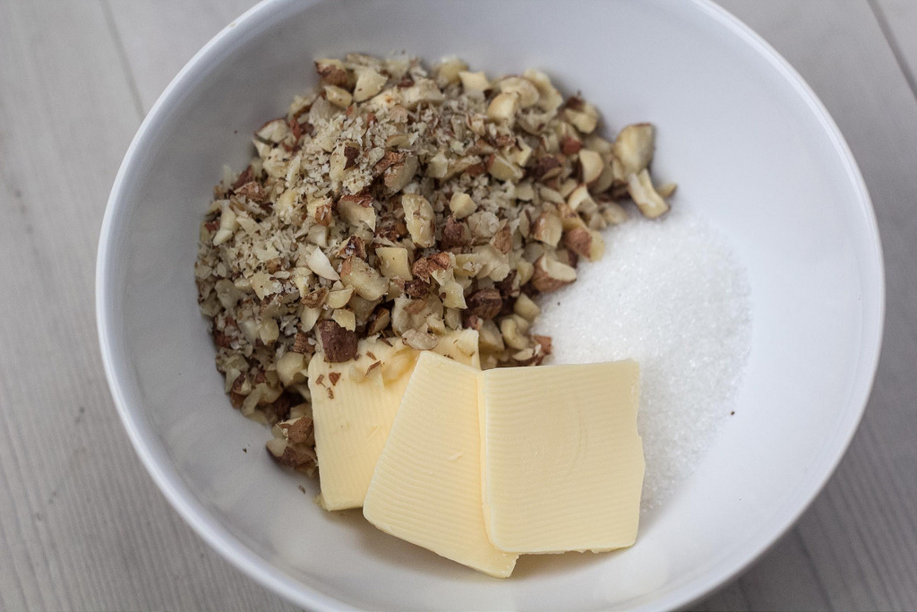 Recipe for Butterhorns with Hazelnuts