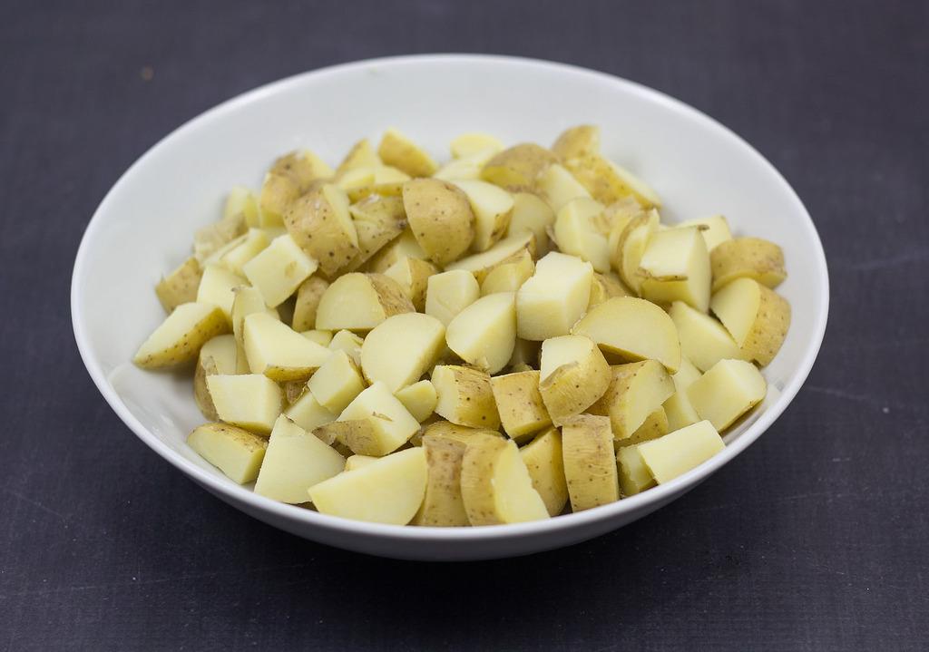 Recipe for homemade Butter-Fried Potatoes (Brasede kartofler)