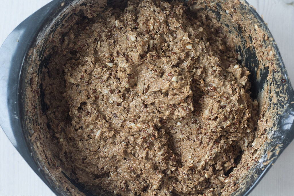 Recipe for homemade rye bread (rugbrød)