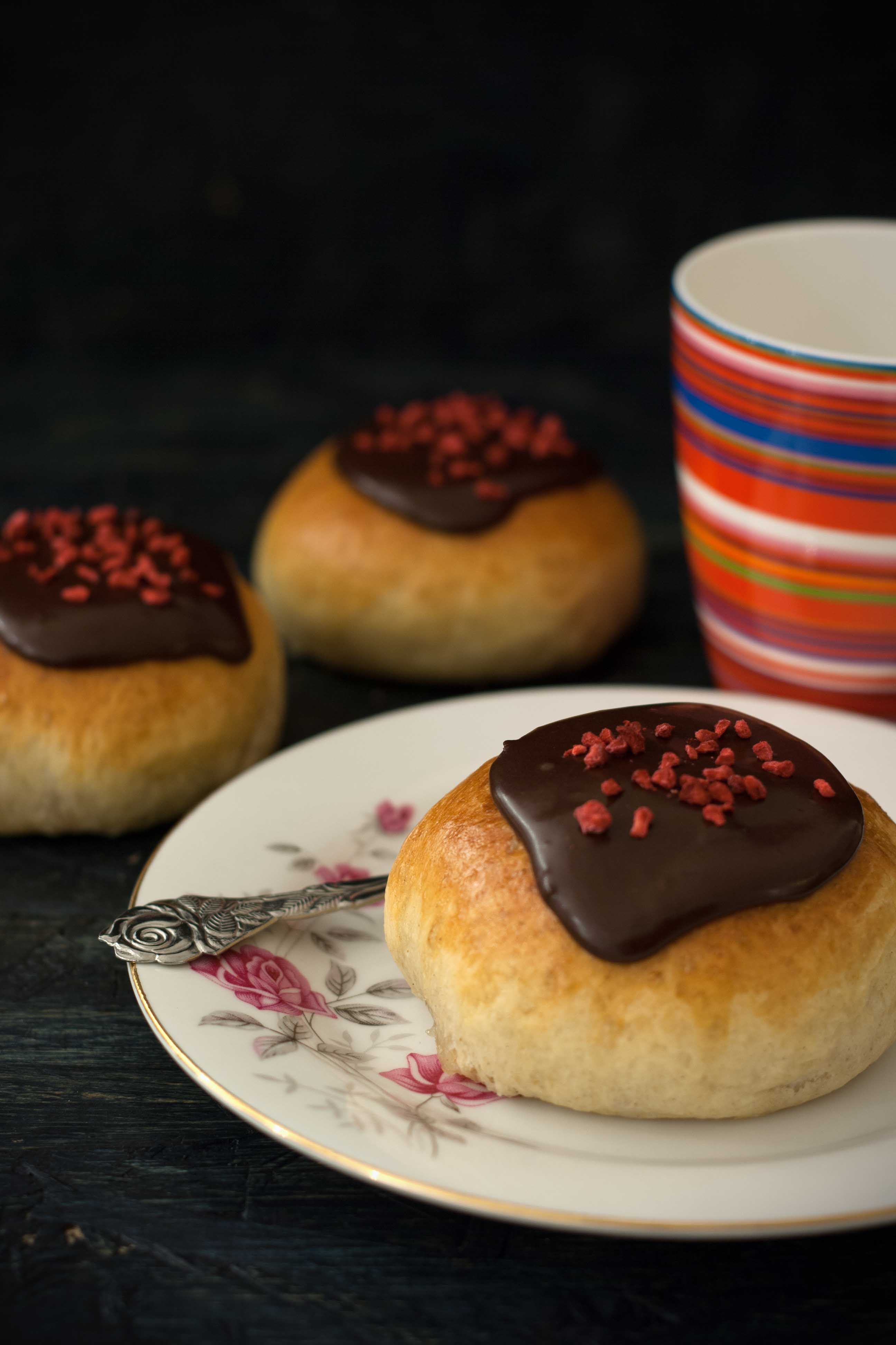 Recipe for homemade Danish Fastelavnsboller