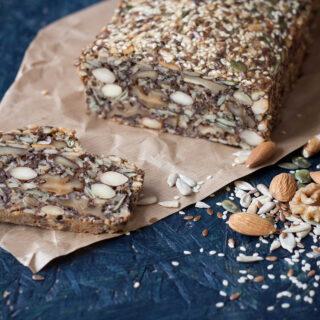 Recipe for Nordic Stone Age Bread (healthy)