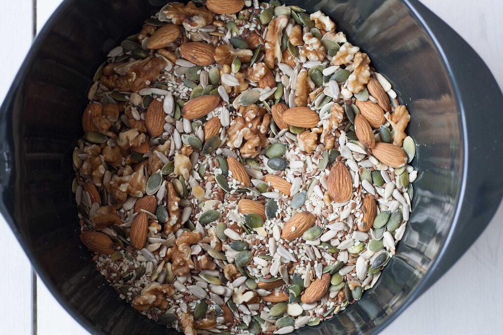 Nordic Recipe for homemade Stone age bread