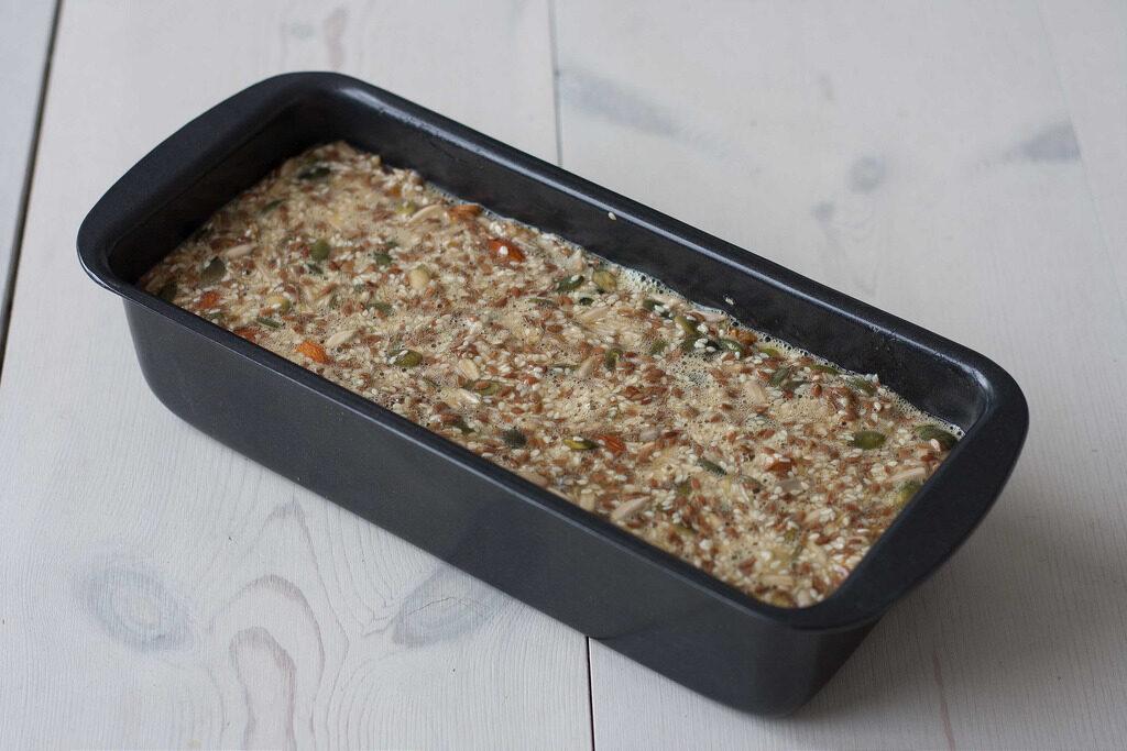 Recipe for homemade Nordic Stone age bread