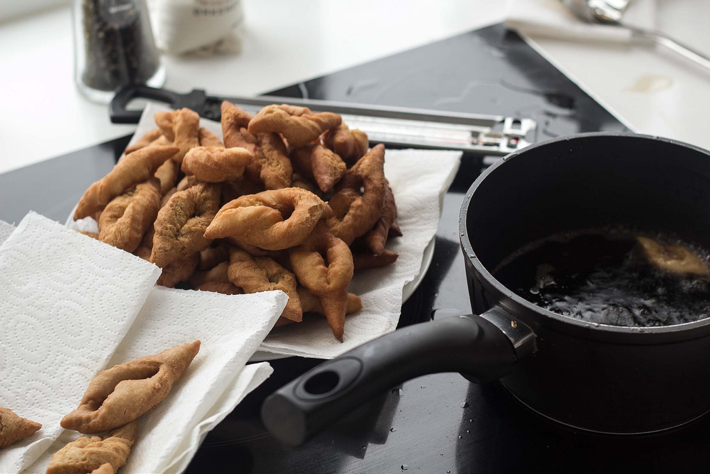Recipe for Homemade Danish Fried Twists (Klejner)