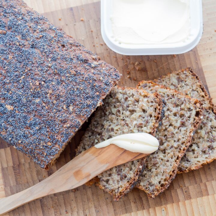 Recipe for Danish Rye Bread (easy ersion)