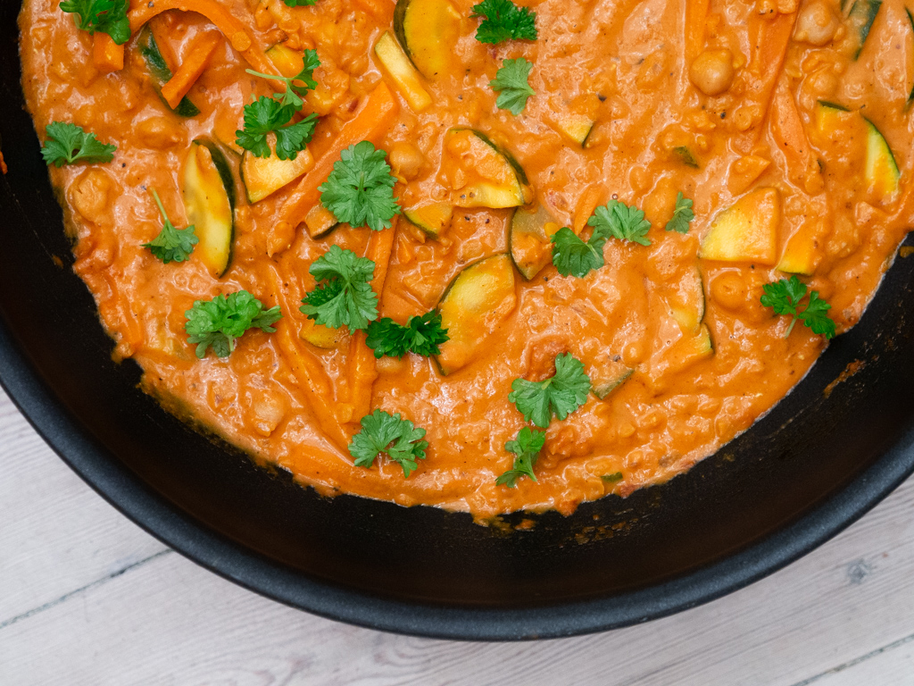 Recipe for Nordic One-pot Chickpea Coconut Zucchini Curry