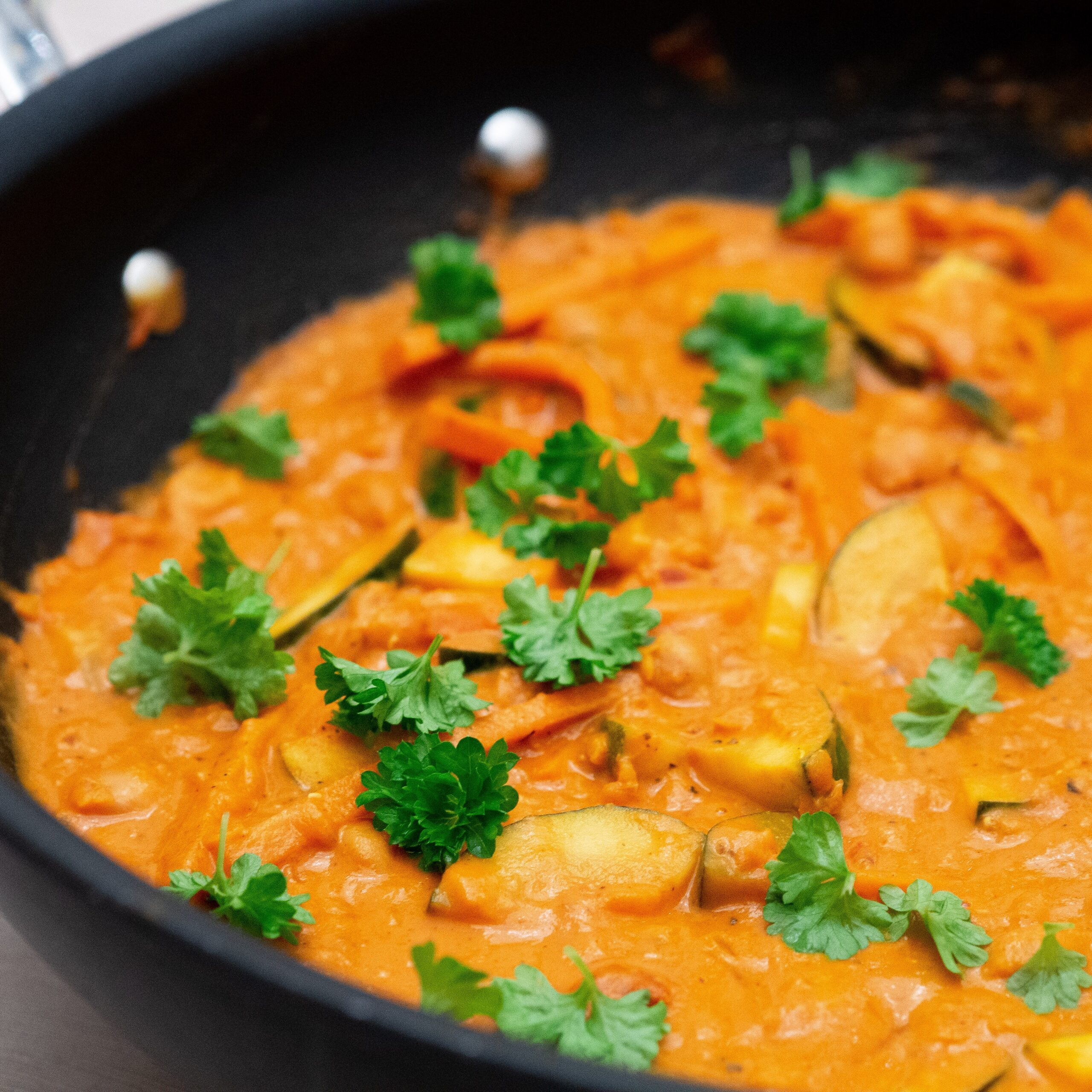 Recipe for Nordic One-pot Chickpea Coconut Zucchini Curry (1)
